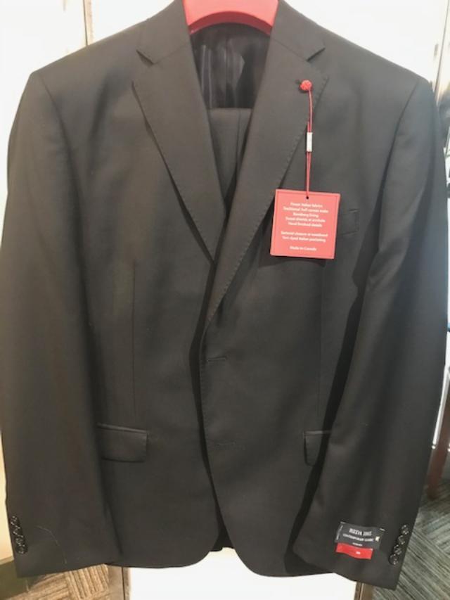Peerless Tailor Red Classic Suit Black