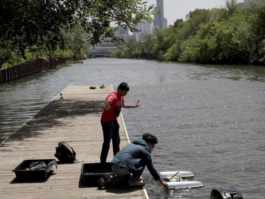 Chicago Tribune: Meet the remote-controlled, trash-collecting robot you could soon use to help clean the Chicago River