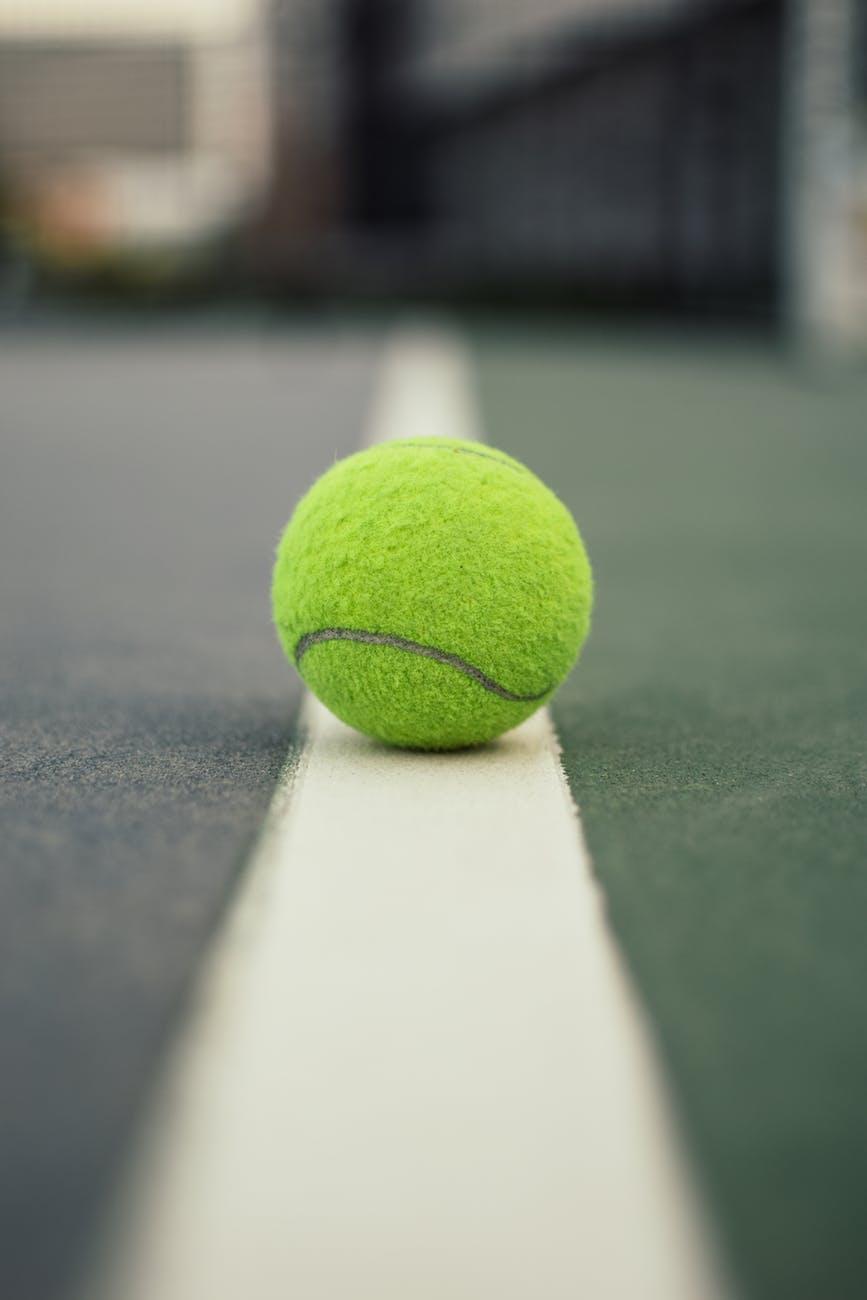 Sense the Action - Sensor Technology in Tennis