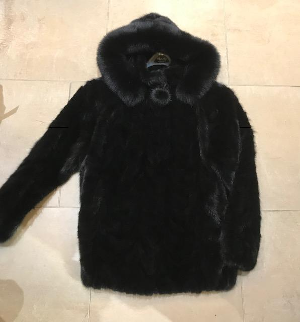Gliagias Furs Women's Ranch Dyed Mink Section W/ Hood Jacket 476H