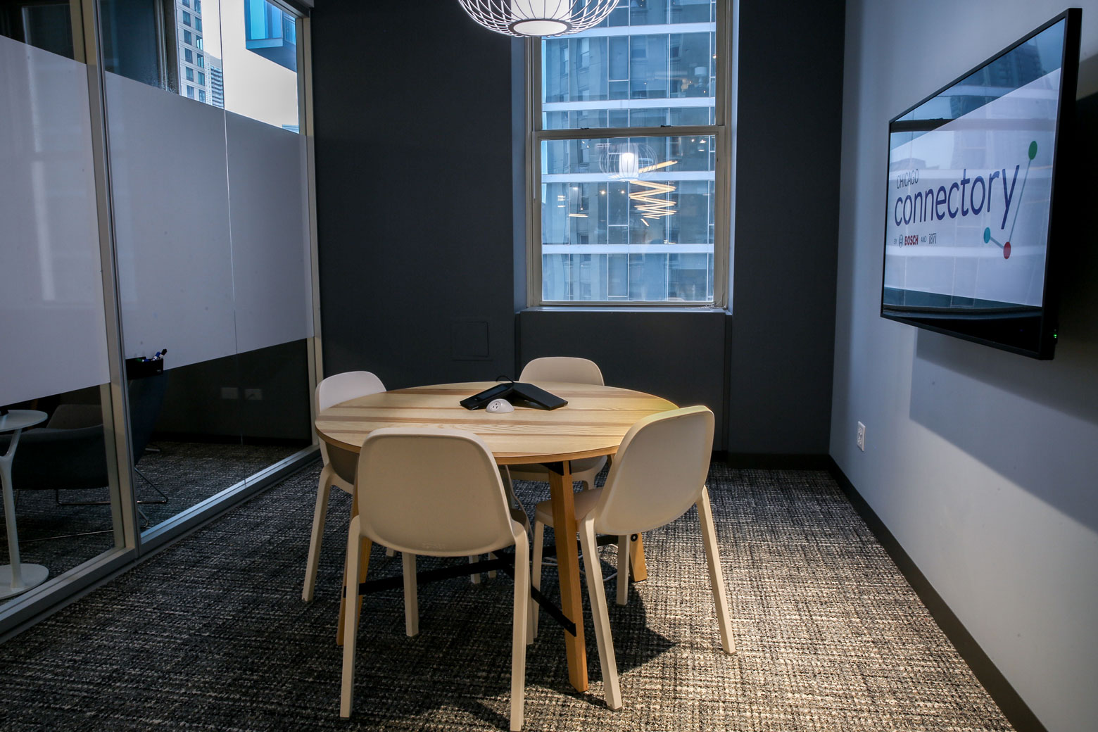 Private Round Table Conference Room in Coworking Office | Chicago Connectory