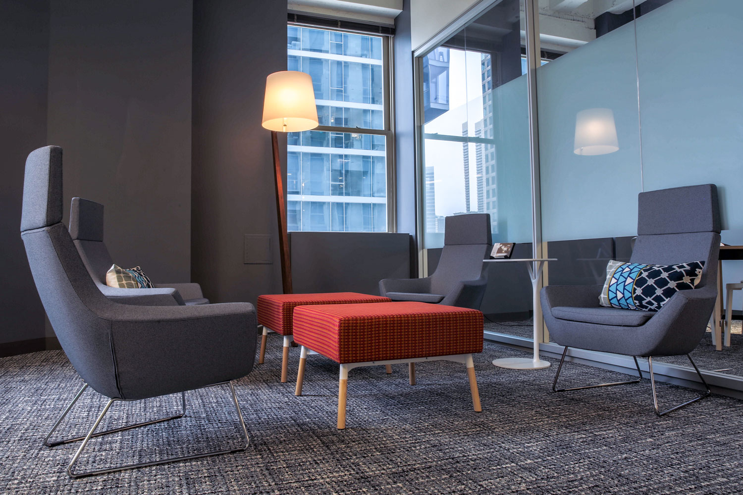 Casual Zen Meeting Workspace | Chicago Connectory