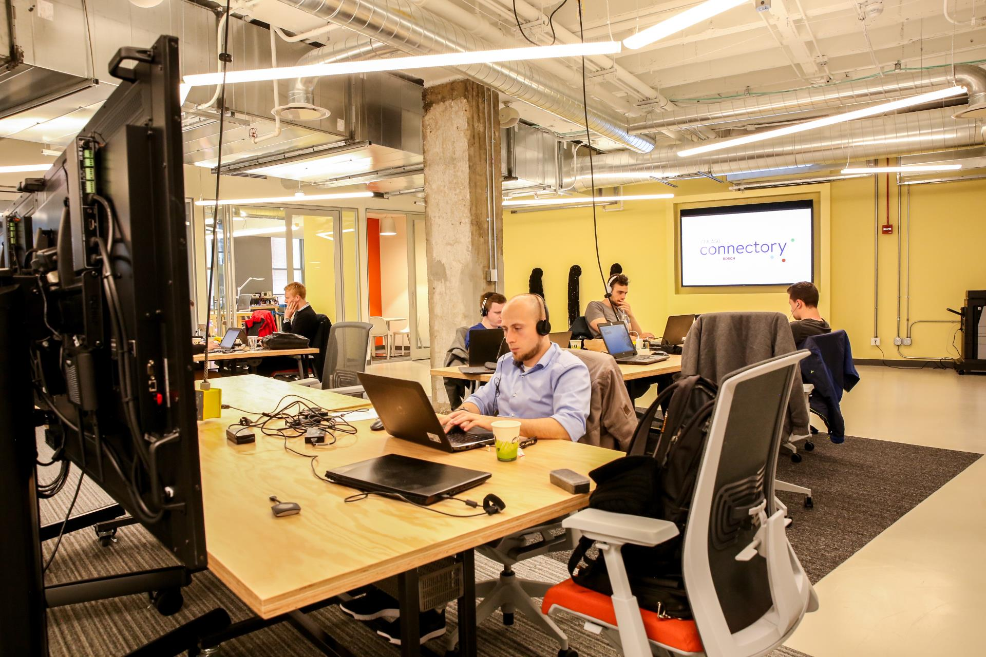 Open, Flexible Seating Options, Startup Developers   Chicago Connectory